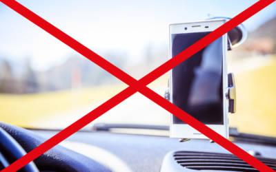 Mobile Endgeräte gehören nicht an die Scheibe