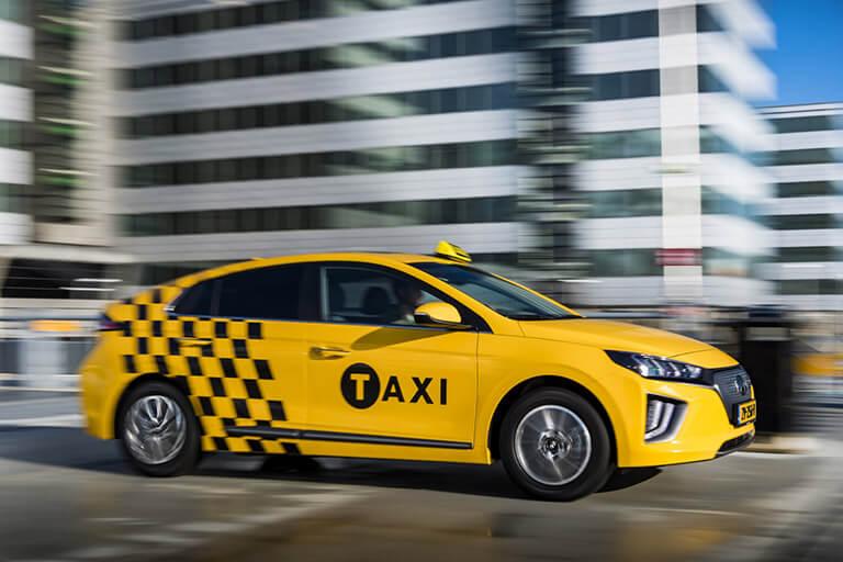 Hyundai startet mit E-Taxi in den Niederlanden – das Garantiepaket erhalten Sie von uns!