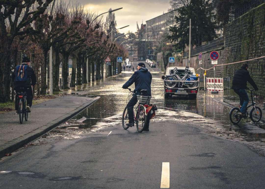 Hochwasser Bonn Fahrzeug Gebrauchtwagen Händler Autowrack